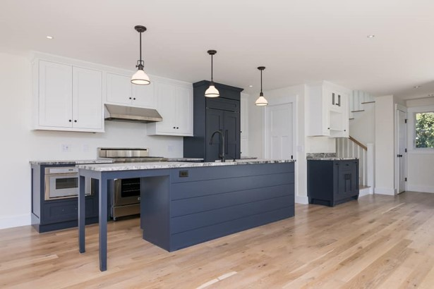 Stone Surface Granite and Cabinets 2