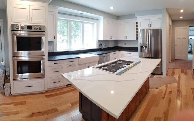 Stone Surface Granite Quartz Cabinets
